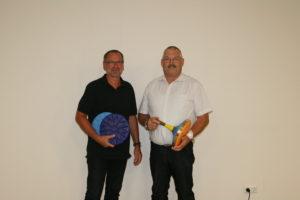 SGE-Vorsitzender Oswald Prummerr (links) und der Abteilungsleiter der Stockschützen Josef Dietenhauser