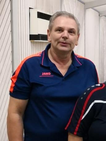 Abteilungsleiter Ernst Dreher gewann mit dem SGE-Mixed-Team auch das siebte Spiel der Saison