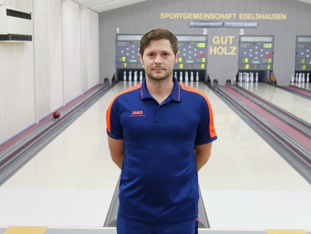 Josef Stegmayr kegelte bei der Niederlage der Herren I bei Spitzenreiter Aichach das beste SGE-Ergebnis.
