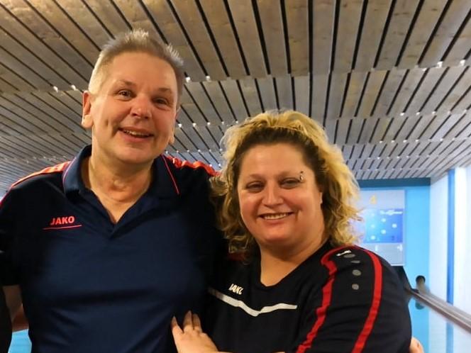 Abteilungsleiter Ernst Dreher und Eva Hecht haben mit dem SGE-Mixed-Team noch alle Chancen auf den Meistertitel