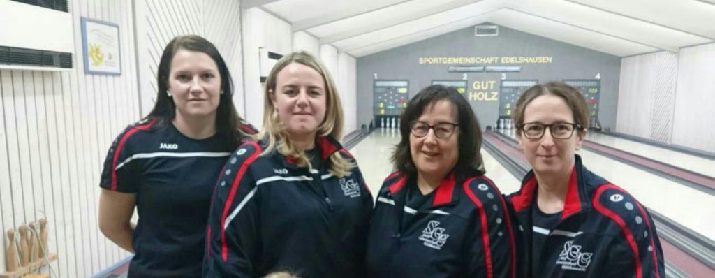 Die SGE-Damen wurden frühzeitig Meisterinnen beim Heimspiel gegen den TV 1861 Ingolstadt.  Von links Christina Kothmeier, Steffi Achter, Gerda Baumgartner Christine und Baumgartner. Zum erfolgreichen Team gehören auch Martina Niedermayr, Michaela Weichselbaumer und Eva Hecht.