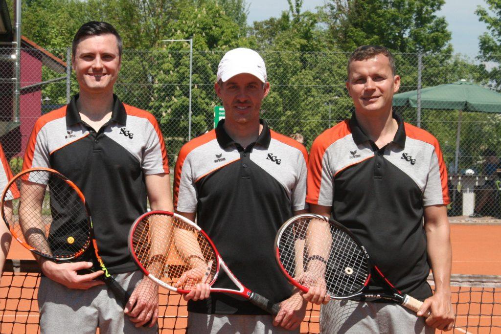 Von links Tobias Nabe, Sportwart und Vereinsmeister Christian Ahle und Thomas Sutner. Das Trio aus Berg im Gau bildet das Grundgerüst des SGE-Tennis-Teams 2020.