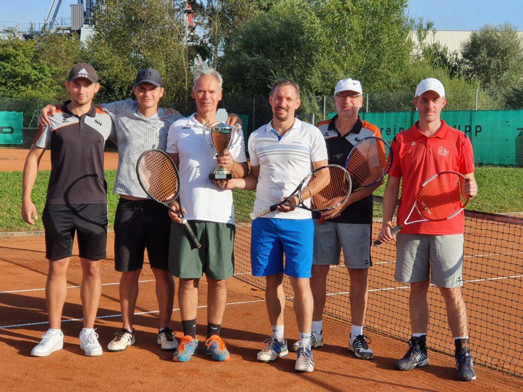 Von links Fabian Brucklacher & Thomas Sutner (3. Platz), die neuen Doppel-Vereinsmeister Hardy Kleinschmidt & Roland Dallmeier sowie die Zweitplazierten Oswald Prummer & Christian Ahle
